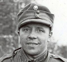 MM-hiihdoissa 1934 pronssia voittanut Olli Remes oli kymmenes Mannerheim-ristin ritari. Peloton Remes valtasi bunkkereita pakottaen viholliset antautumaan. Uudenvuodenaattona 1942 kapteeni Remes nosti päänsä taisteluhaudasta viimeisen kerran.