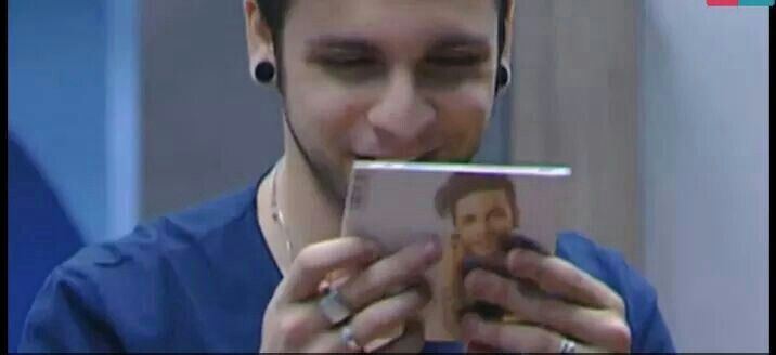 Ale watching the first Dear Jack's album<3 so cute*~*