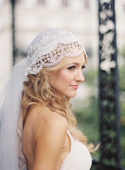Unique veil: http://www.stylemepretty.com/2014/11/10/vintage-glam-french-quarter-wedding/ | Photography: Catherine Guidry - http://www.catherineguidry.com/