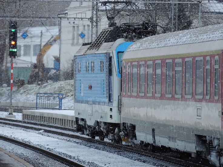 Snowing in Prague, but no big delays  http://www.centraleasteurope.com/train_tickets/budapest-prague-train.htm