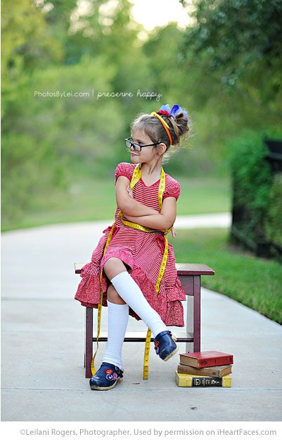 Fun Back to School Photo Ideas - photo by Leilani Rogers, Photographer via iHeartFaces.com
