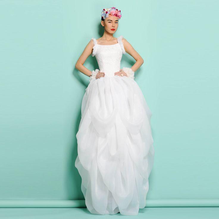 Best 25+ Unusual Wedding Dresses Ideas On Pinterest