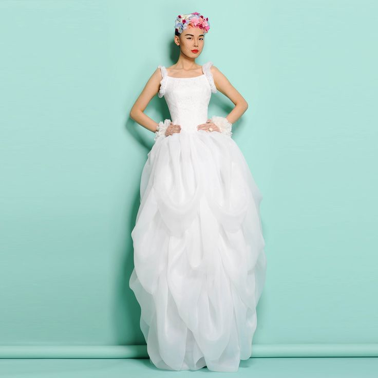 Where To Buy Non Traditional Wedding Dresses: 1000+ Ideas About Unusual Wedding Dresses On Pinterest
