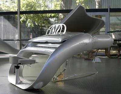 Piano Pegasus Grand CC 208 P. Design by Luigi Colani, for Schimmel (2005).