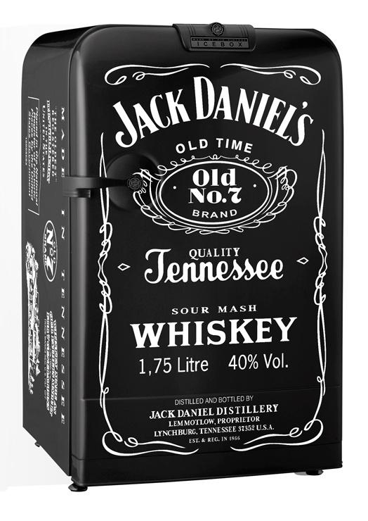 Geladeira customizada Jack Daniel's.