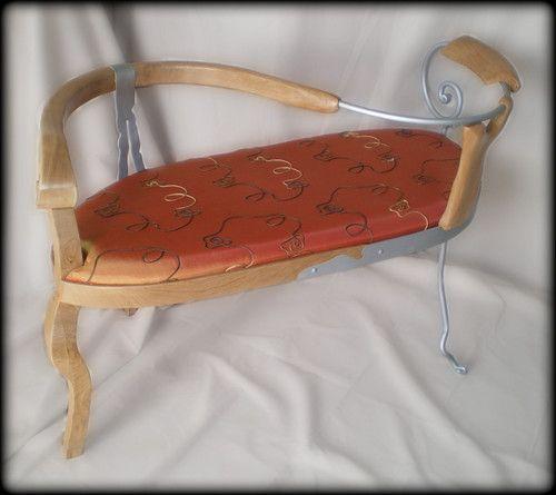 Confidente realizado en madera de cerezo y aluminio forjado. Siguenos en facebook https://www.facebook.com/tamal.muebles