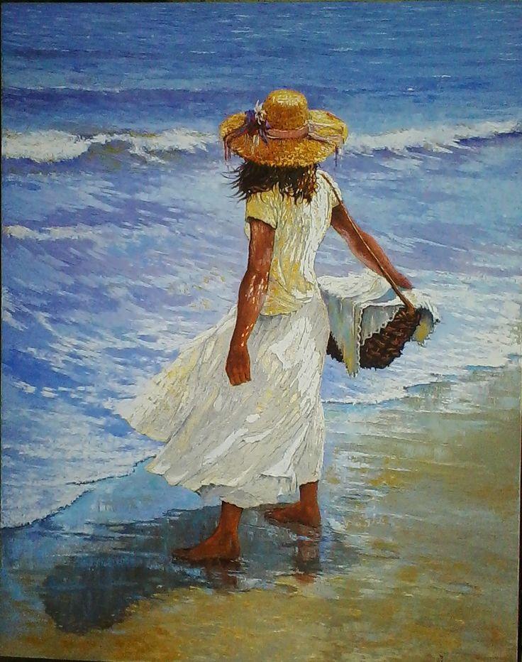 Figura con canasto en la playa,,por Hugo Rossi