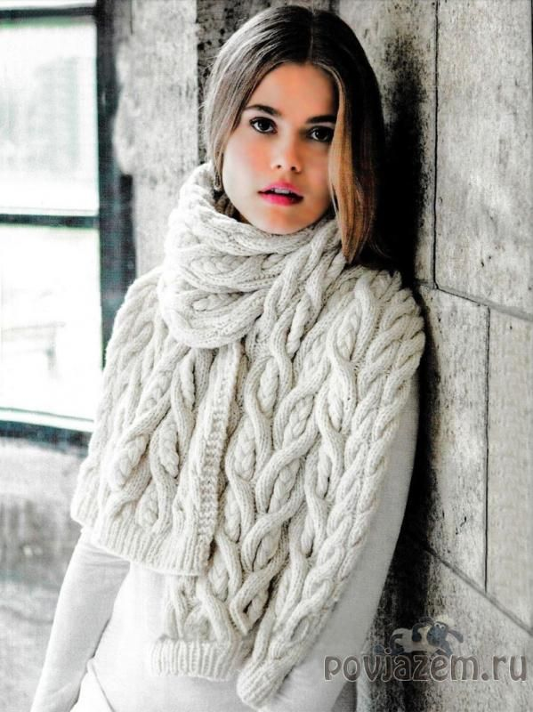 Необычный шарф спицами