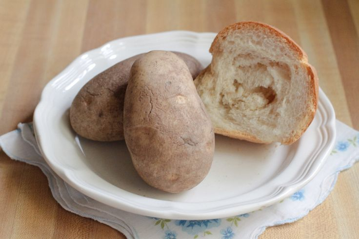 Potato starch often appears in gluten-free recipes as a thickener instead of flour. Finding potato starch at a grocery store can be difficult, but you can make your own at home. For the best results, use a large, high starch russet (baking) potato to make your homemade starch. The final amount of starch made from …