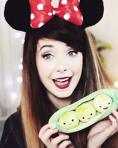 This chick is effin ah-mazing! Zoella :)