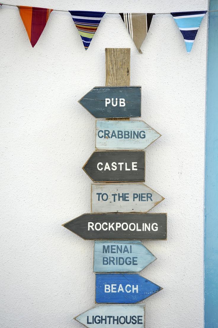 A lovely sign that sums up Beaumaris!