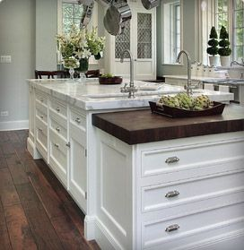Armoire de cuisine cuisine and dark wood floors on pinterest for Armoire de cuisine usage
