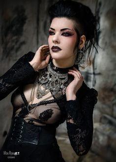 Model: Gatto Nero Katzenkunst Photo: Meik Reinhardt-Fotografie Welcome to Gothic and Amazing | www.gothicandamazing.com