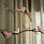 Bird and twig mobile-links to tutorial and supplies sources.Mobiles Ideas, Twig Mobiles, Nurseries Mobiles, Little Girls Room, Birds Mobiles, Diy Mobiles, Baby Girls, Baby Room, Girl Rooms