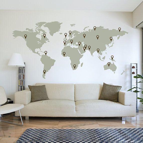 Etiqueta de la pared mapa de mundo  Esta etiqueta de mapa del mundo puede utilizarse para decidir su próxima aventura o para simplemente señalar los