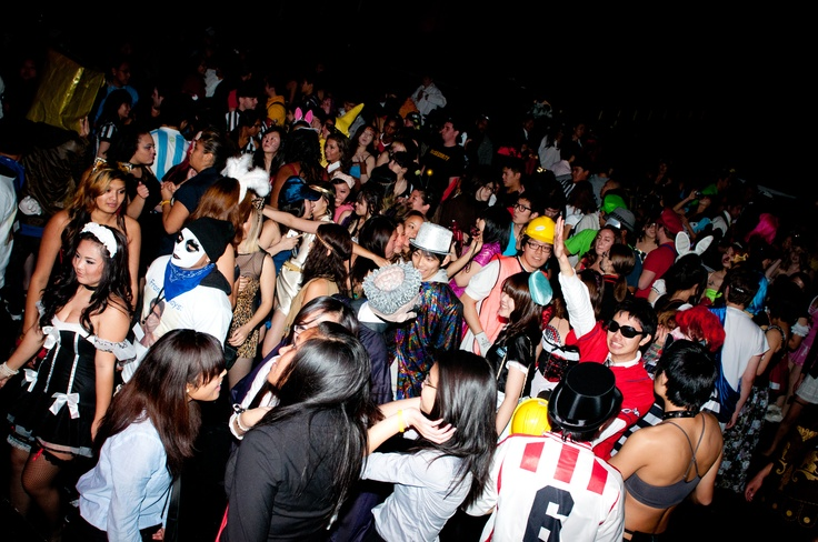 The crowd goes wild at Asylum, the biggest Halloween Party in Seattle. Imagine a #masquerade ball—except done right. Asylum is the traditional Alpha Zeta Halloween party. There is no competition when it comes to Halloween parties and every organization on campus realizes this. The fun part is trying to guess who you're really dancing with beneath the mask.Halloween Parties, Fun Parties, Halloween Dance, Biggest Halloween, Alpha Zeta, Campus Realized, Dance Tonight, Constant Reminder, Masquerades Ball Exceptional