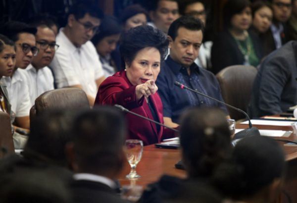Miriam Defensor Santiago has come out and said some great things again, this time using one of the best responses of the use of your fingers