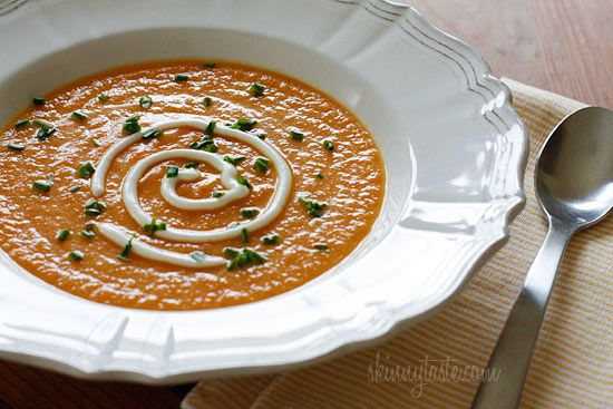 Skinny Yet Creamy Carrot Ginger Soup: Creamy Carrot, Carrot Ginger Soup, Clean Soups, Skinny Soups, Soup Skinnytaste, Carrots, Carrot Soup, Calorie Soups, Cook Hearty Soups