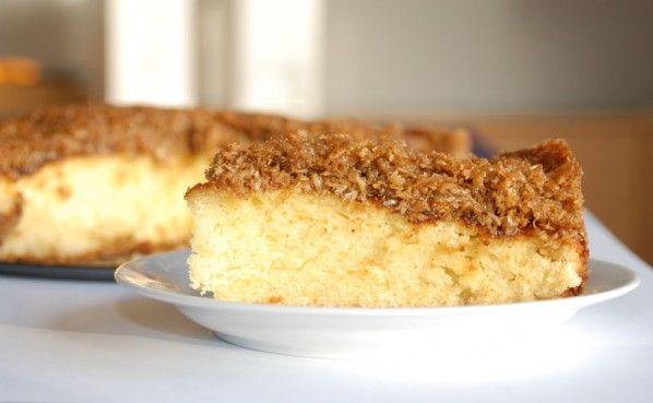 Dream cake with vanilla sponge cake and coconut topping / drømmekage fra brovst