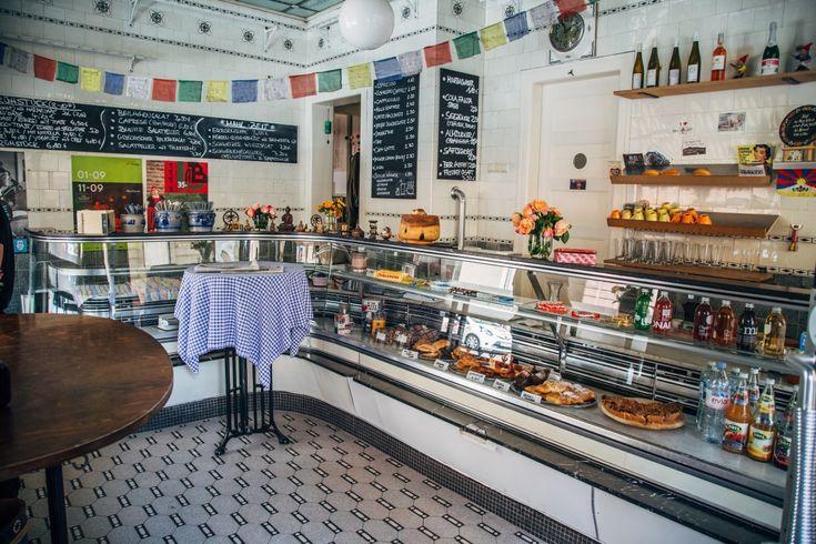 Kleine Auszeit Gefallig Im Stuttgarter Westen Ist Die Cafebar Auszeit Langst Schon Kult Stuttgart Cafe Bar Mittagstisch Ausze Cafe Auszeit Cafe Bar Cafe