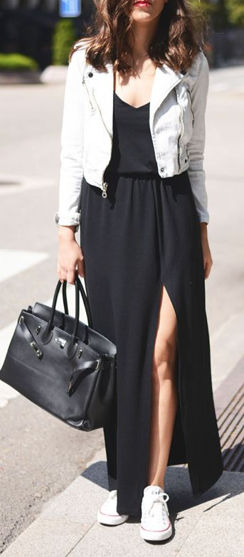 Preto e branco não tem erro, nem misturando vestido longo com tênis :)