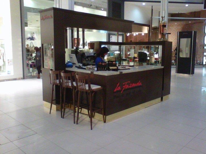 Stand de máquinas para café en Alto Rosario Shopping
