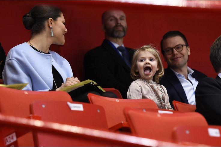 Les princesses Estelle et Victoria de Suède et le prince Daniel au Ericsson Globe Arena à Stockholm, le 28 janvier 2015