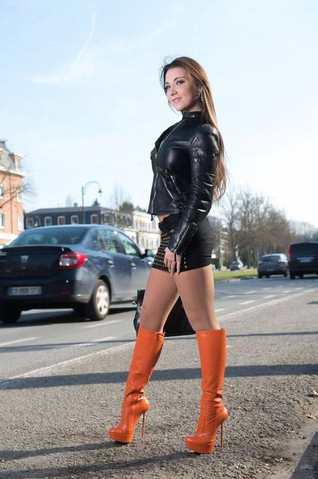 Pin by Richy Rich on Leder in 2019 | Skirts with boots