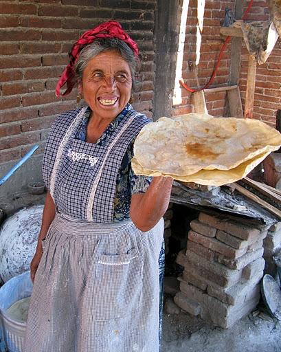 Tlayudas in Oaxaca mexico                             TLAYUDAS HECHAS A MANO .