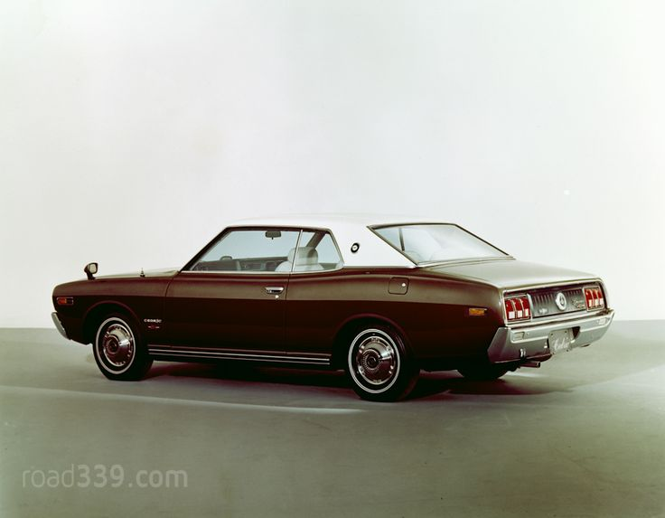Nissan Cedric 230