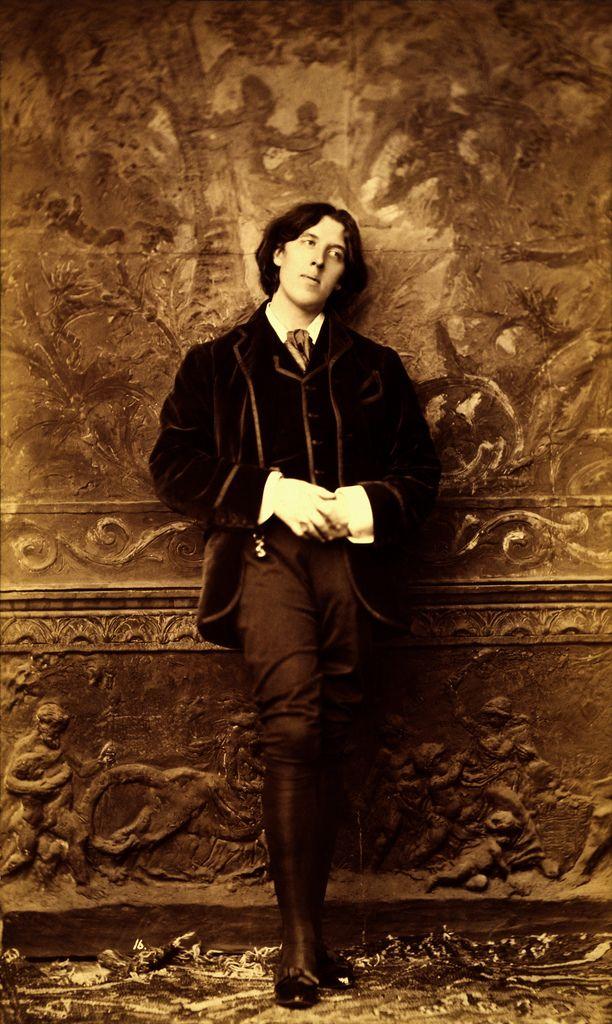 Oscar Wilde, 1882 // photo  by Napoleon Sarony