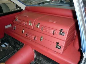 Awesome example of custom luggage for a classic car: Custom Luggage, Fit Luggage, Classic Cars, Awesome Example