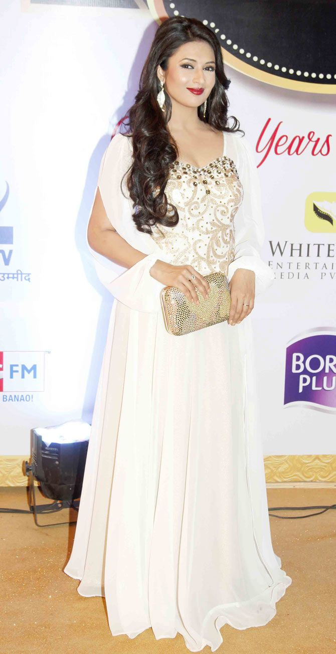 Divyanka Tripathi at Gold Awards 2015 - #GoldAwards2015. #Bollywood #Fashion #Style #Beauty