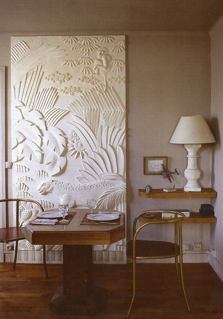 Source: The World of Interiors, March 2014. Photo - Roland Beaufre I'm dreaming of old school Caribbean elegance today. Being at home for Christmas means the weather is (slightly) cooler, various palms on island are decorated head to toe in lights,...
