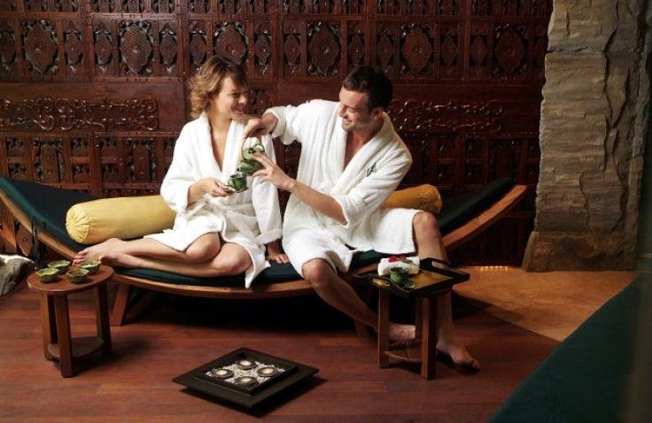 FARMONA WELLNESS & SPAto idealne miejsce dla tych którzy chcieliby poczuć atmosferębalijskiego SPAi otulić się woniąazjatyckich olejków eterycznych. http://krakowforfun.com/pl/5/spa/farmona-wellness-spa