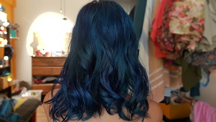 LA RICHE DIRECTIONS > Midnight Blue . In love with how it turned out