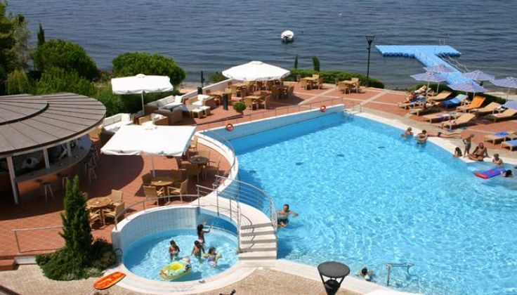 5* Poseidon Palace μια ανάσα από την Πάτρα, δίπλα στη θάλασσα, μόνο με 210€!