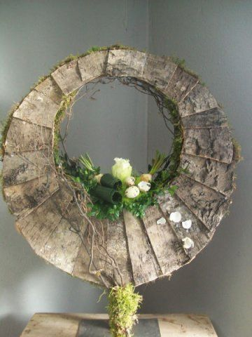 Asymmetric wreath - Spring 2013 - site no longer exist
