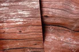 Este tipo de madera se llama CEDRO y la utilizamos para construir suelos, instrumentos de música...