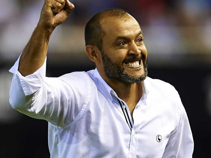 premier-league-football-club-soccer-english-soccer-club-ball-nuno-espirito-santo_3197369.jpg (800×600)