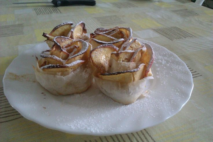 My version of apple roses :)