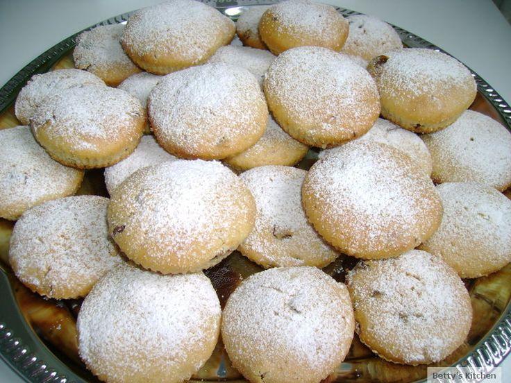 Muffins cu stafide si ciocolata
