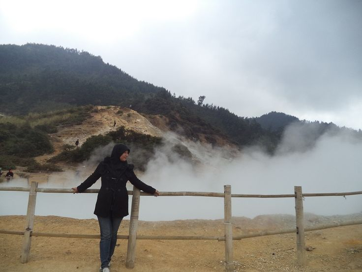 Take a Picture at Sikidang Crater
