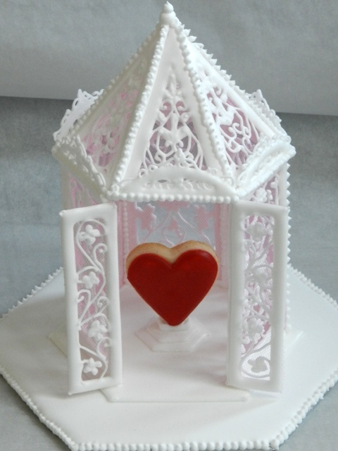 How To Make a Royal Icing Gazebo | hows to's on cake ...