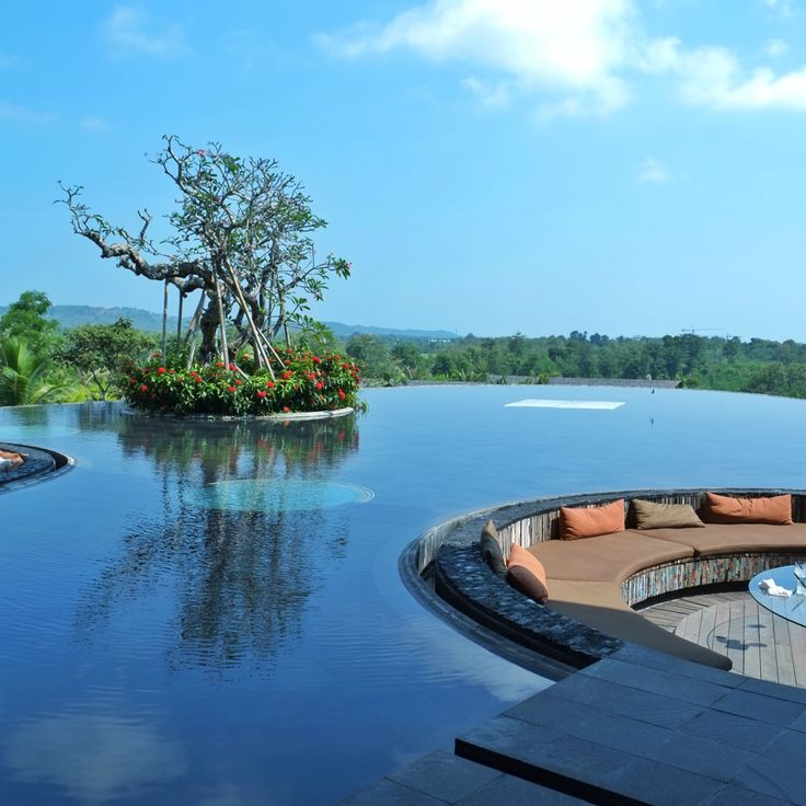 Rimba Jimbaran Bali    pic by: didiantonius