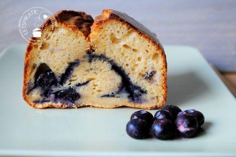 Een simpel recept voor een lekkere luchtige blauwe bessen cake