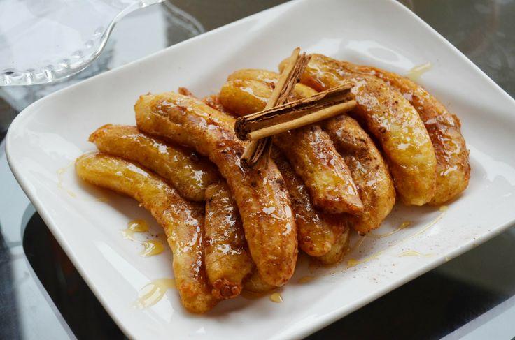 Platanos Fritos   fun FOODIE fun: Plátano frito con miel/Honey banana fritters.