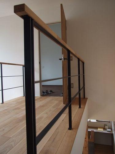 gallery-handrail