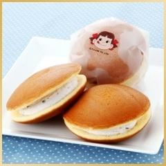 This dorayaki packaging looks like Peko doesn't it : ) PD