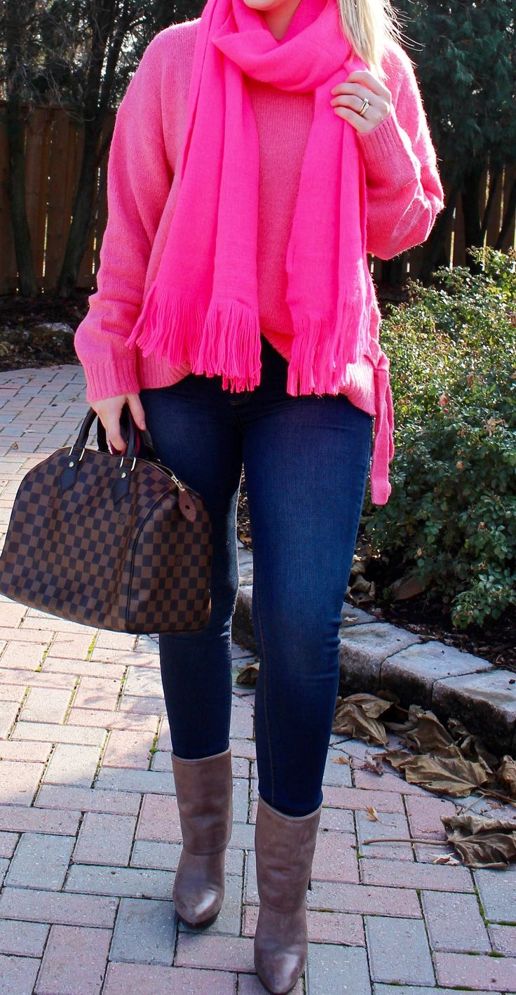 Pink sweater, pink scarf, Louis Vuitton speedy bag, blue jeans, booties, fall fashion